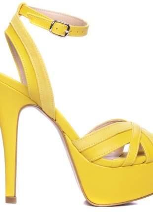 Sandálias femininas meia pata  amarela edição limitada