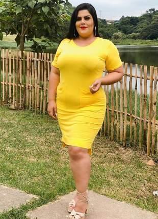 Vestido curto modelo mullet plus size