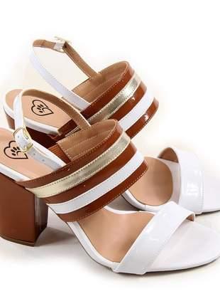 Sapato sandália salto grosso bloco verniz branco / caramelo