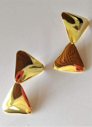 Brinco dois triângulos