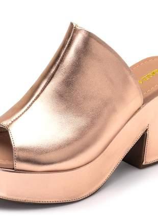 Sandália tamanco em rosê metalizado salto grosso