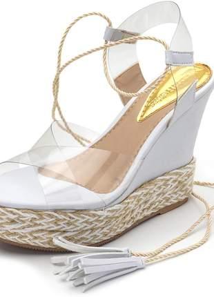 Sandália anabela branca tiras cruzadas transparente amarrar na perna