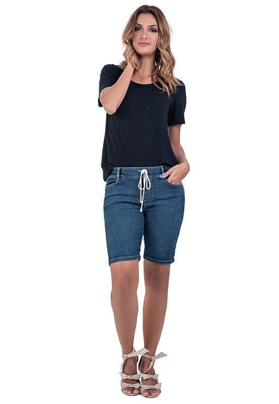 Bermuda jeans jogger com elastano e elástico na cintura