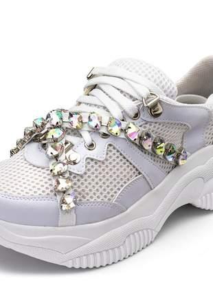 Tênis sneakers chuncky recortes napa branca detalhes pedras strass