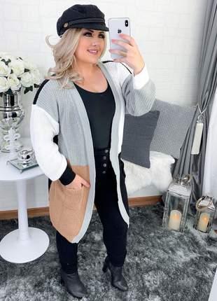 Lindo casaco geométrico com bolso