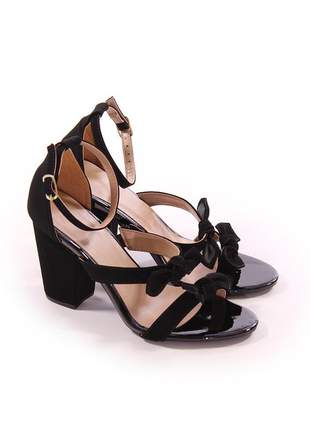 Sapato sandalias femininas salto grosso preta de laços feminina