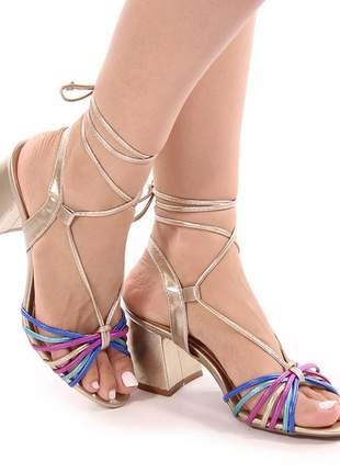 Sandalia salto baixo tiras metalizadas coloridas