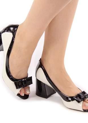 Sapato peep toe salto grosso off white / preto