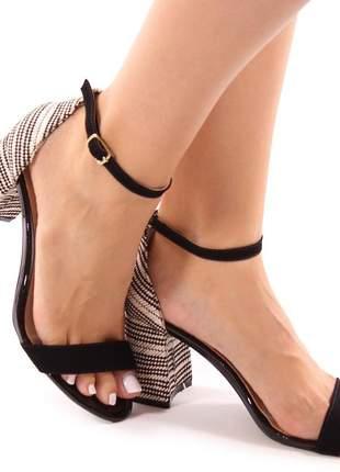 Sandália sapato social salto grosso preta com rafia natural