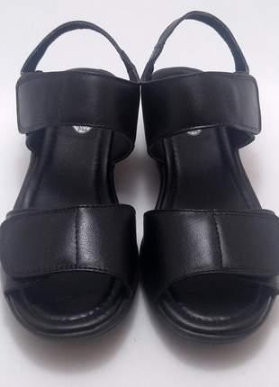Sandália tamanco preto couro de velcro ortopédico