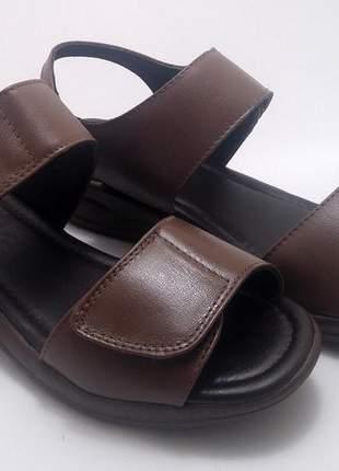 Sandália tamanco ortopédico marrom couro velcro