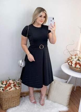 Vestido midi preto rodado godê com cinto em lesie