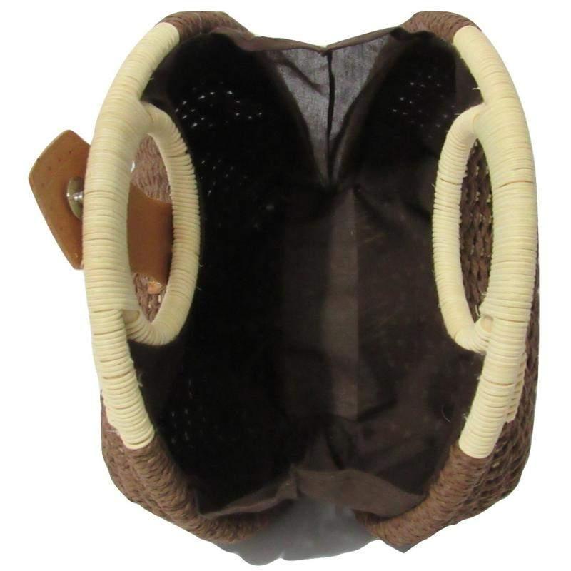 7122cb819 Bolsa de palha redonda de mão marrom - R$ 246.00 (de couro sintetico ...