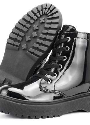 Coturno feminino plataforma sapatofran confortável tratorado preta envernizada