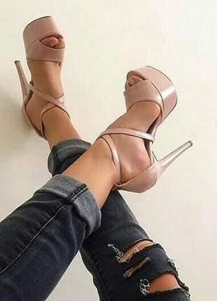 Sandálias femininas plataforma 15 cm nude vinil