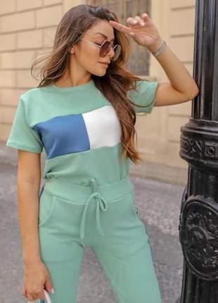 Conjunto calça e blusa bicolor manga curta em crepe