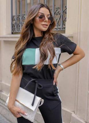 Conjunto feminino de calça e blusa bicolor manga curta crepe