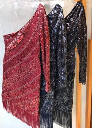 Vestido de festa curto com franjas