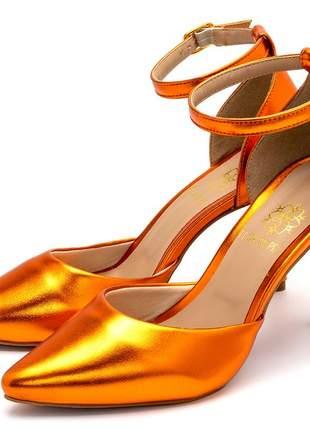 Sapato scarpin aberto salto alto fino em laranja metalizado