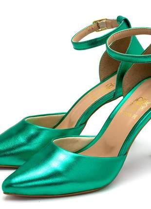 Sapato scarpin aberto salto alto fino em verde metalizado