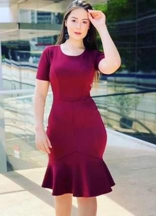 Vestido moda cristã evangélica vinho midi tubinho social barra com babado comportado