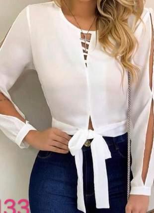 Blusa manga longa com recortes