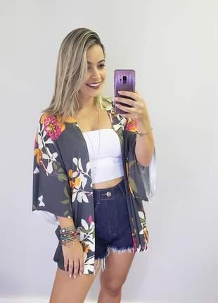 Kimono cinza floral