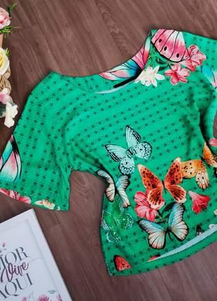 Blusa verde estampa borboleta