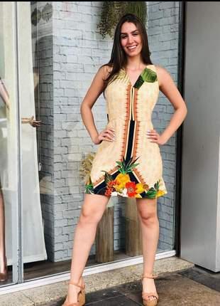 Vestido estampa tropical cor creme