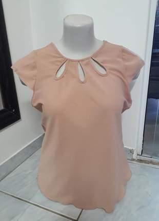 Blusa plus size de manga estampada floral comportada moda evangélica