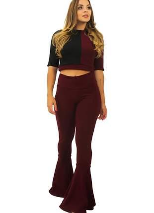 Conjunto feminino cropped e calça flare