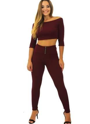 Conjunto feminino cropped e calça cintura alta marsala