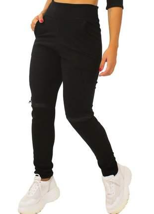 Calça feminina detalhe ziper joelho preto