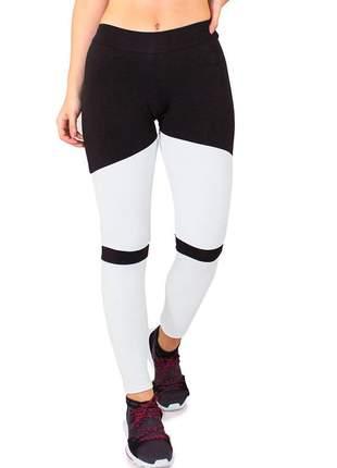 Calça legging fitness feminino preto com detalhes branco