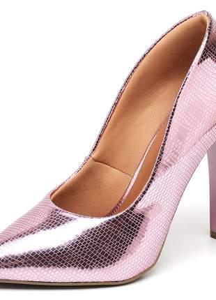 Sapato scarpin salto alto fino metalizado lagarto rosê