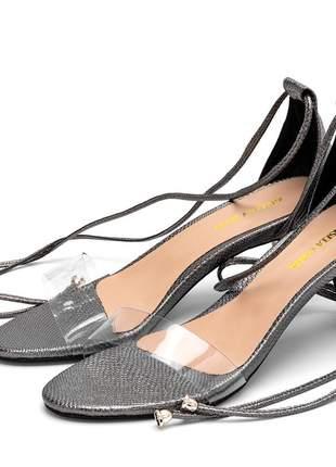 Sandália feminina salto baixo fino tira transparente cinza onix