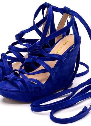 Sandália anabela gladiadora de nó em nobucado azul bic