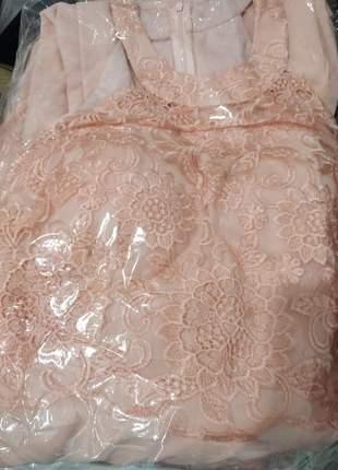 Vestido plus size de festa casamento formatura coral e rosê madrinhas bordado