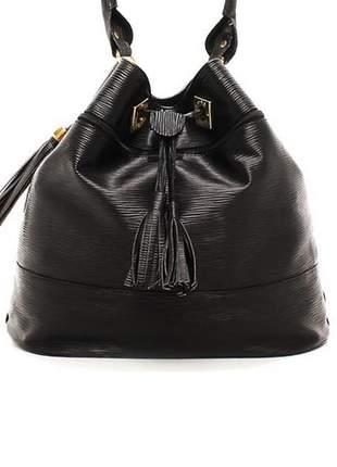 Bolsa saco verniz preto alça curta
