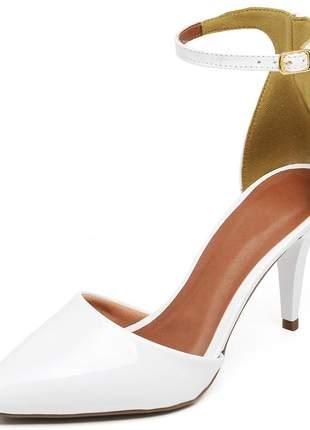 Sapato feminino scarpins aberto salto médio fino verniz branco
