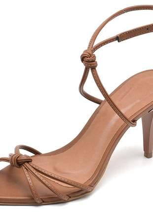 Sandália feminina nó bico fino salto médio fino caramelo