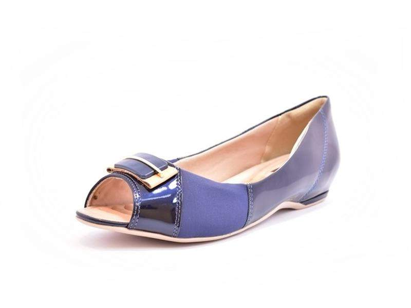 2f04d581a Sapato feminino peep toe comfortflex azul marinho e avelã numeração  especial 40, 41 e 421 ...