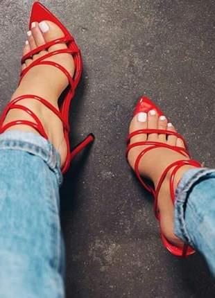 Sandálias femininas salto fino tendência moda bico folha