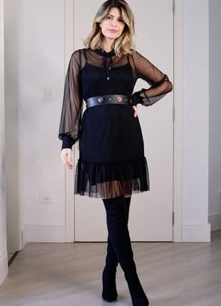 Vestido preto curto transparência manga longa e capuz