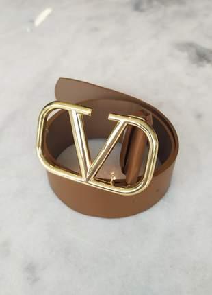 Cinto inspired valentino caramelo 100% couro ferragens douradas
