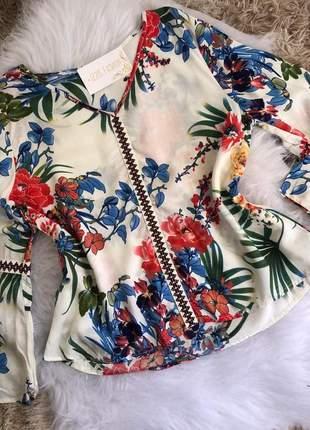Blusa manga longa floral