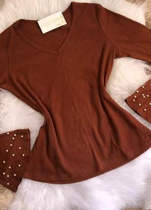 Blusa manga longa com pérolas