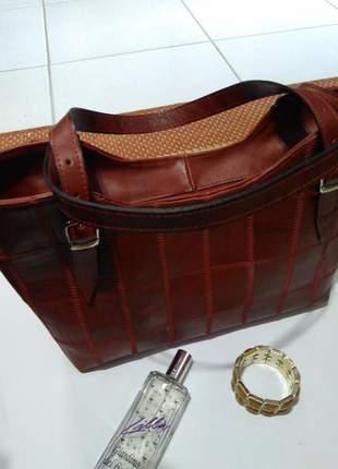 Bolsa em couro legitimo em patchwork direto da fabrica com retalhos selecionados