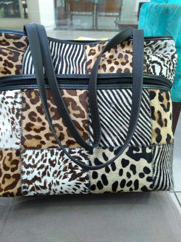 20cb51e2b Bolsa em couro legitimo retalhos selecionados direto de fabrica animale  (pêlos)1 ...