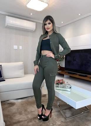 Calça jeans cargo skinny jeans com lycra